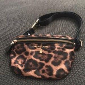 a1b66d0a297e Michael Kors Bags | Wallet | Poshmark